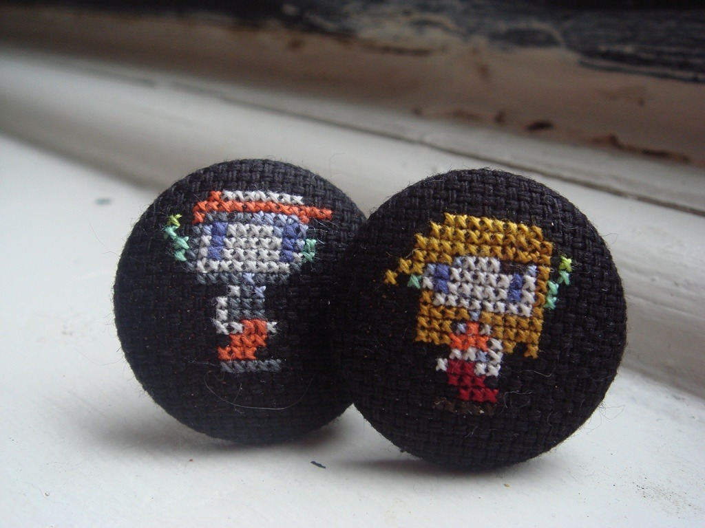 cave story cross stitch cufflinks by benjibot (source: pinterest)
